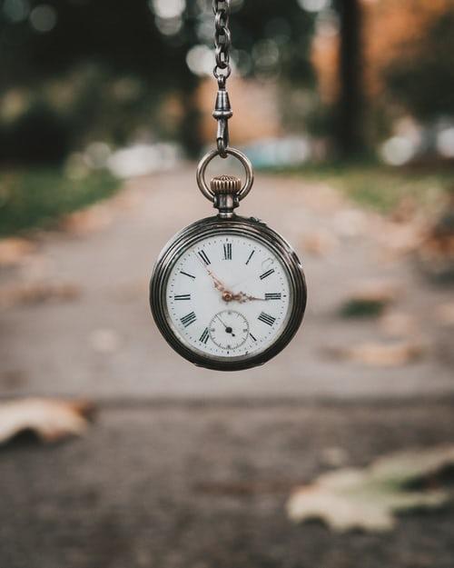 اسرار السفر عبر الزمن ونظريات محتمله