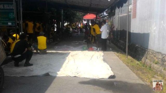 photo kegiatan penyembelihan hewan qurban di Pondok Hijau Ciputat