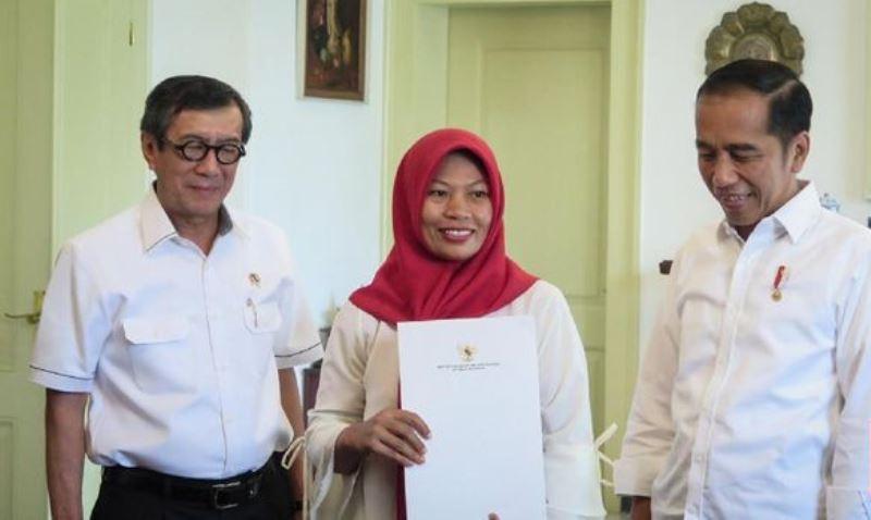 Baiq Nuril 'Jemput' Amnesti Jokowi, Lalui Perjalanan Lombok-Bogor
