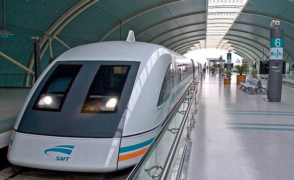 الصين تخترع قطار يعمل بالكهرباء وبدون قضبان