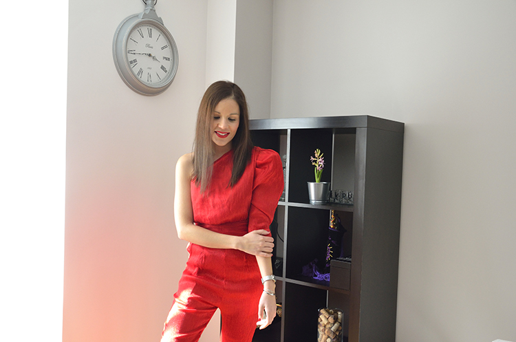 san_valentin_valentines_day_trends_gallery_red_jumpsuit_ootd