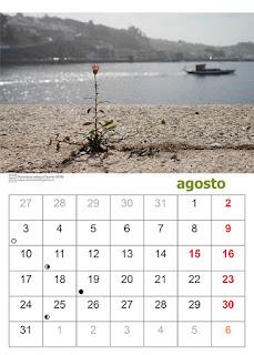 Página de un calendario con una foto tomada en Oporto de una planta cerca del río Duero