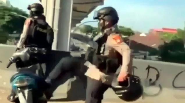 Netizen Gaduh Lihat Polisi Tendang Motor Yamaha Mio