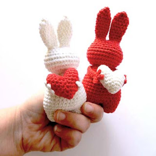 Amigurumi Valentine Pattern : 2000 Free Amigurumi Patterns: Little bunnies with ...