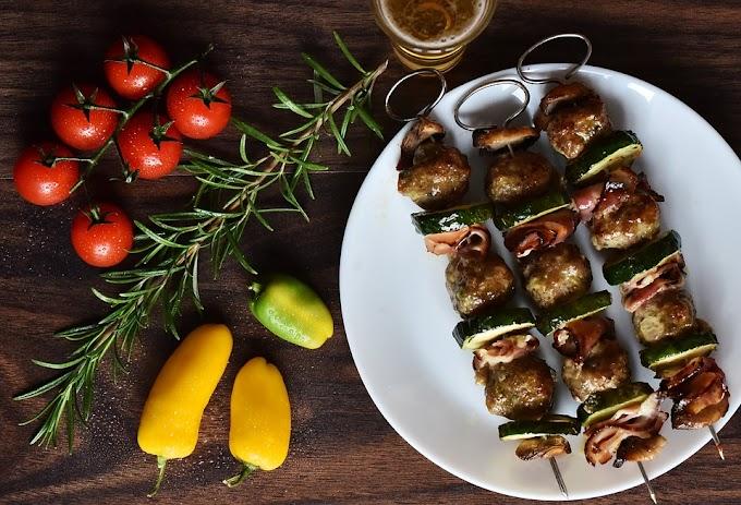 Recetas Keto: brochetas de pollo con vinagreta fácil