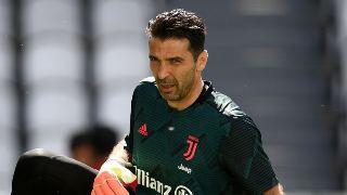 Gianluigi Buffon  Buffo breaks Serie A appearances record as Juve move seven points clear.