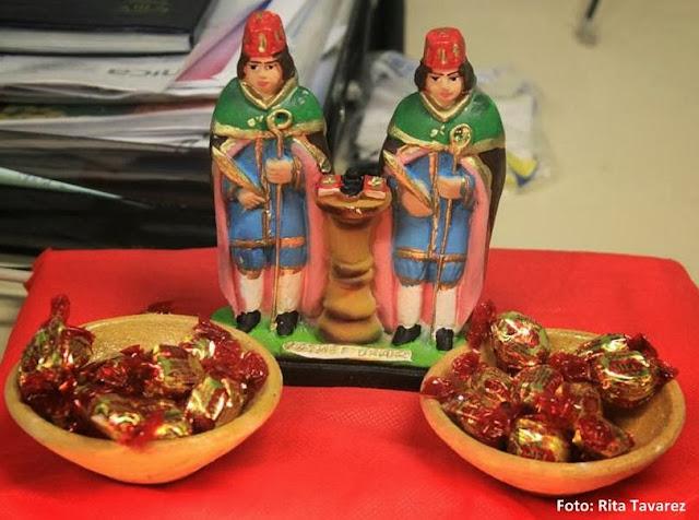 Balas e doces para São Cosme e São Damião