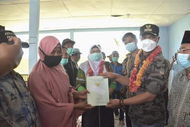 Plt Bupati Bener Meriah serahkan 1070 sertifikat tanah