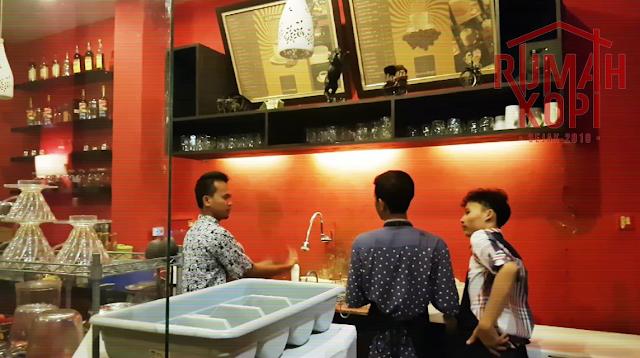 Lowongan Kerja Coffee Roastere Rumah Kopi Serang