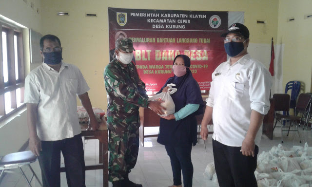 Babinsa Koramil Ceper Kawal Penyaluran BSNT