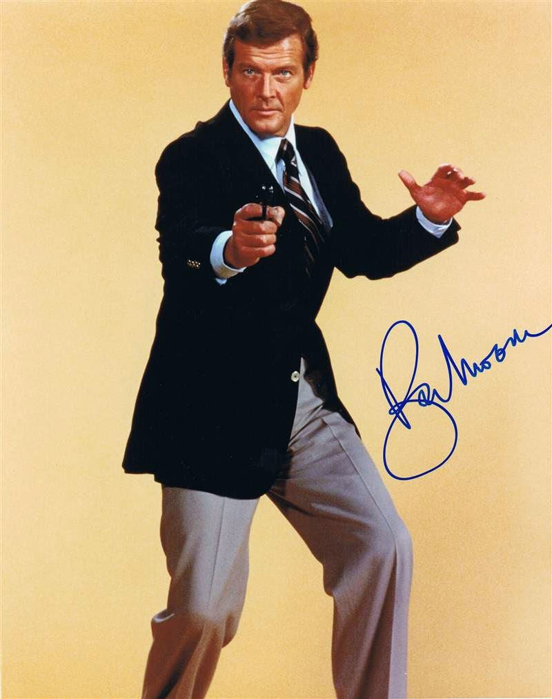 007 travelers 007 james bond actor roger moore. Black Bedroom Furniture Sets. Home Design Ideas