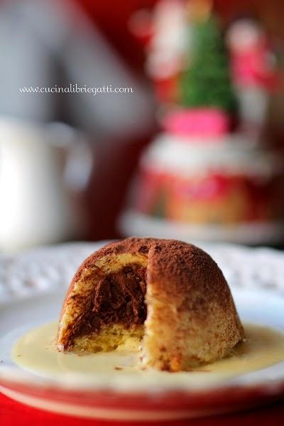 riciclo pandoro zuccotto ricetta mousse cioccolato salsa vaniglia