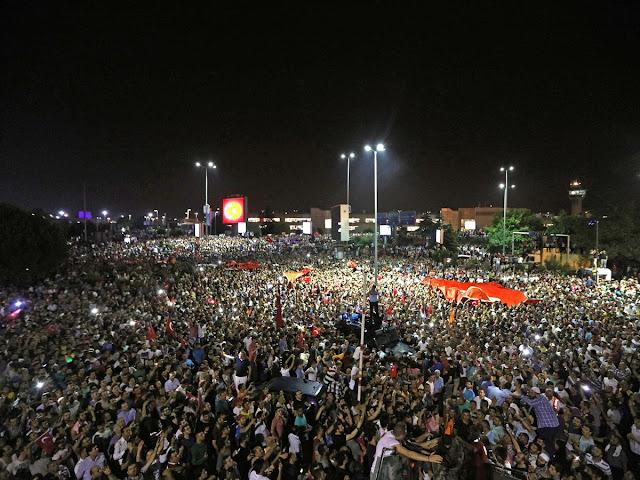 Rakyat Turki turun ke jalan gagalkan kudeta