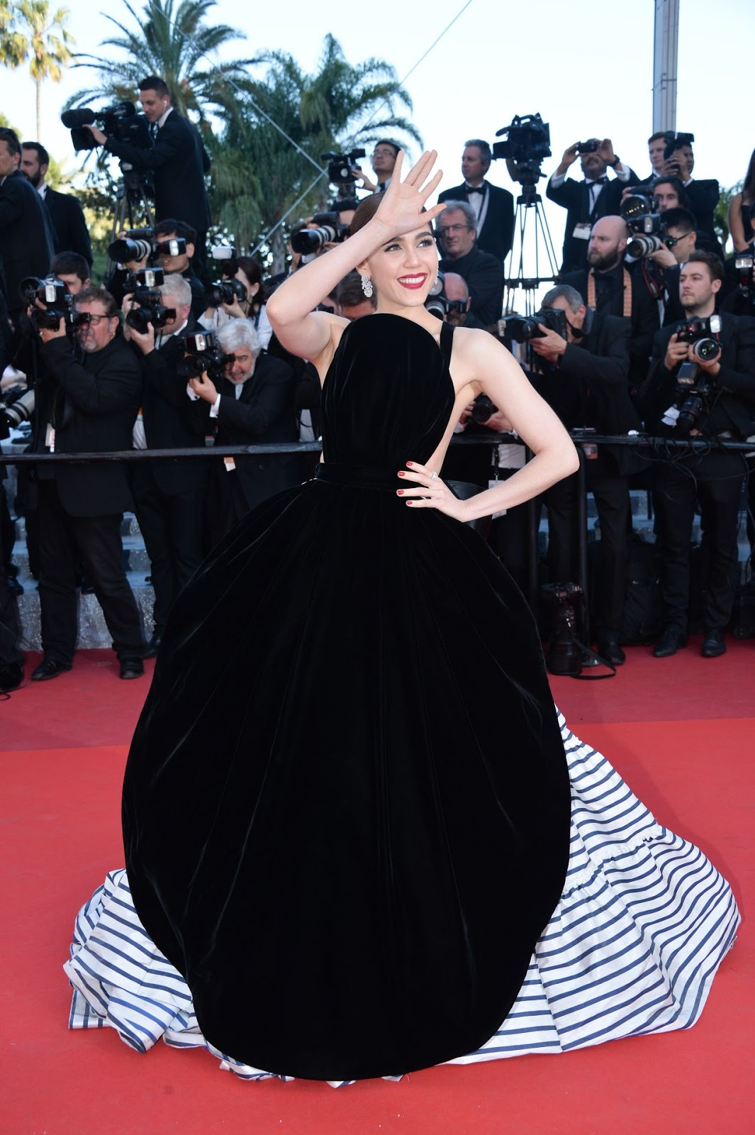 Full HQ Photos of 'Thai Actress' Araya A. Hargate attends Mal De Pierres Premiere At Cannes Film Festival 2016