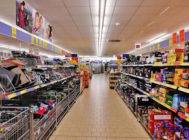 memasukkan produk ke supermarket