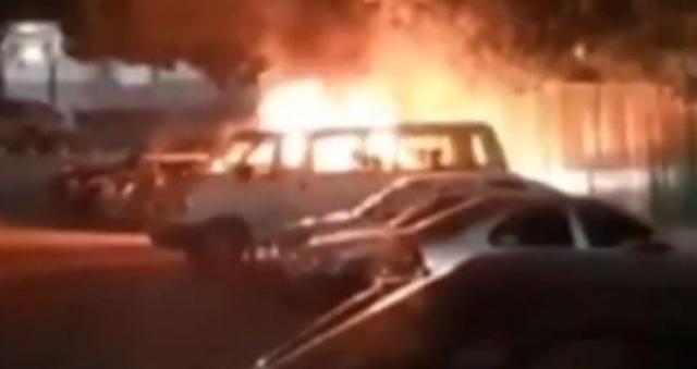 VIDEO.-  Medico del IMSS muere calcinado tras ser atacado por Sicarios con explosivos cuando salía del hospital