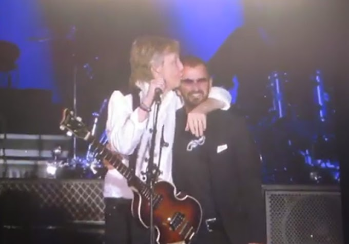 Vídeo: Ringo Starr sobe no palco, toca com Paul McCartney e emociona