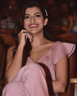 Latest 2020 Sanjana Banerjee cute smiling images