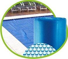 A capa térmica para piscina e também muito conhecida como capa bolha, ou capa térmica flutuante, o produto e fabricado sob-medida para cada formato de piscina.