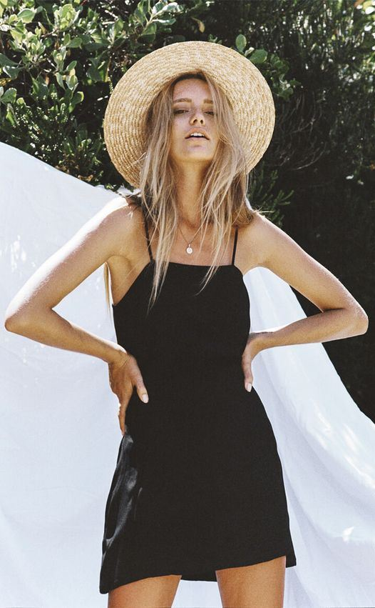 summer outfit / hat and black dress