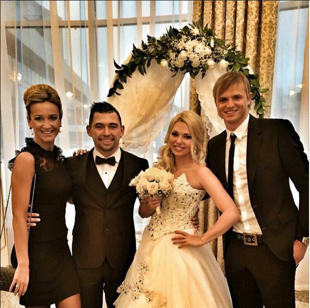 Бузова отреагировала на свадьбу Тарасова и Костенко