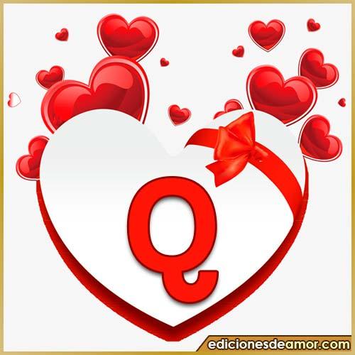 corazones volando con letra Q