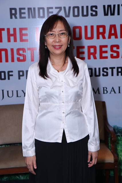 Honorable Minister of Primary Industries Teresa Kok Ma'am
