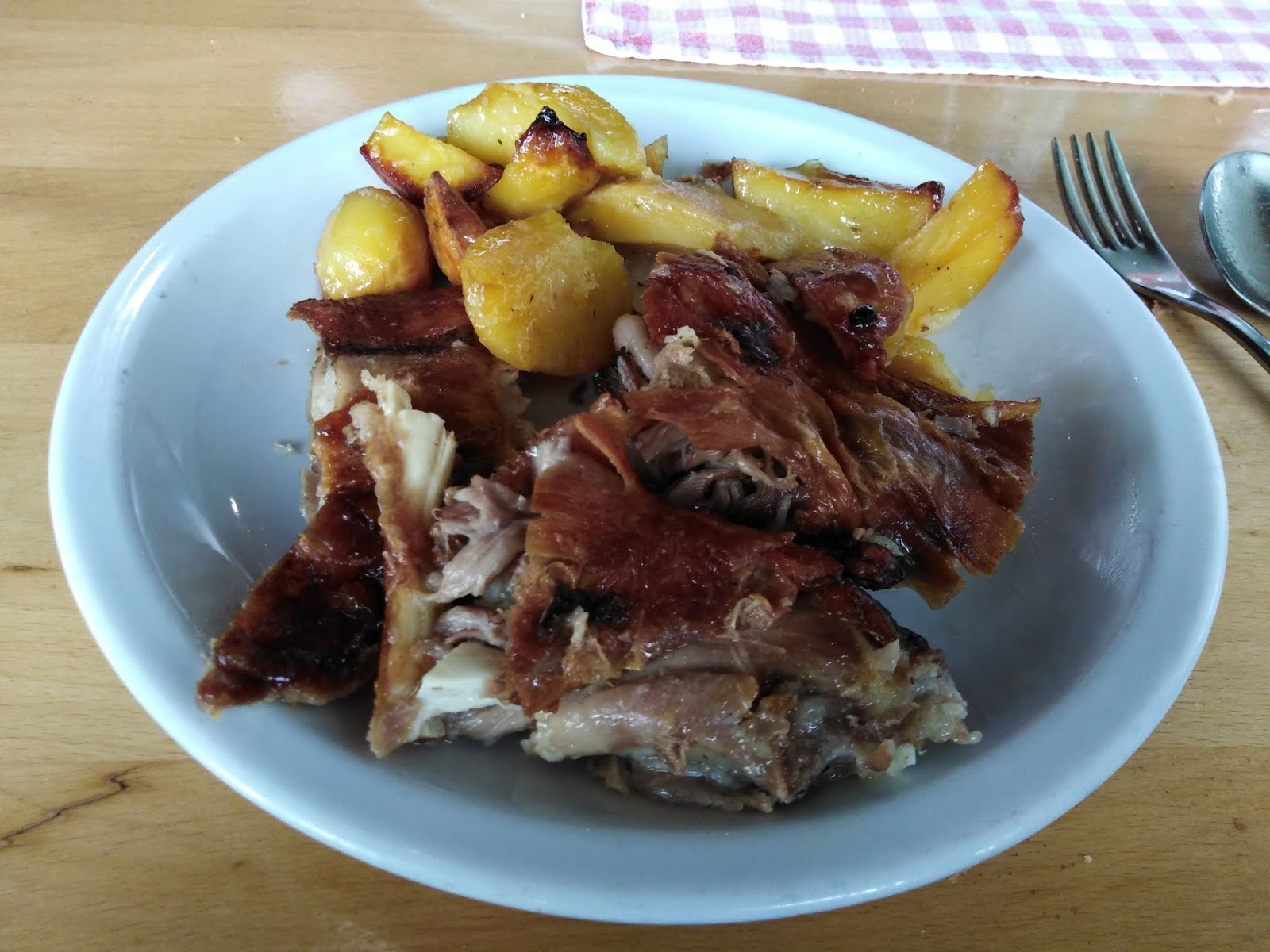 K M Cheng-Travel Journal: Europe (Zagreb. Croatia) March 2019 D-13 (Part 4) Food & Hotel