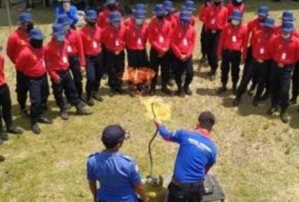 Pelatihan Pertolongan Pertama (Damkar) Antisipati Kebakaran Dalam Menjinakan Api Di Gedung ,Pertokoan  Dan Perkantoran