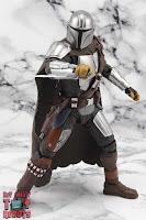 S.H. Figuarts The Mandalorian (Beskar Armor) 41