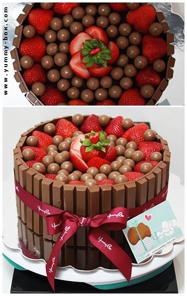 Kit Kat Cake With Strawberries