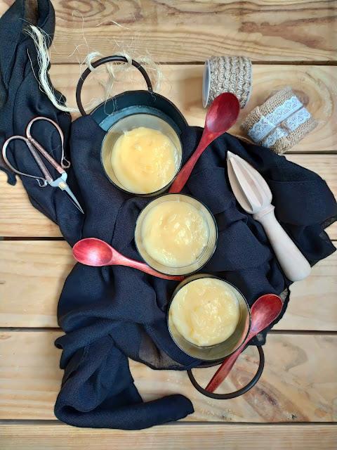 Crema de limón y cava. Receta de aprovechamiento. Postres fáciles, rápidos, sencillos, con fruta, ideal para verano. Reciclaje. Cuca