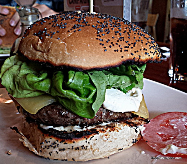 Hambúrguer do Real Gourmet Burguer, em Dun Laoghaire, próximo a Dublin