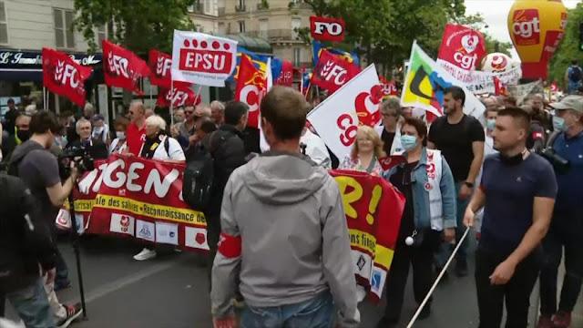 Sanitarios franceses denuncian precaridad laboral en plena pandemia