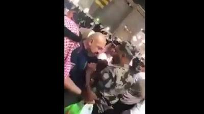 شجار عنيف بين معتمر مصري وأمن الحرم المكي..فيديو