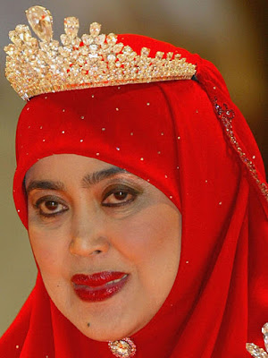 diamond tiara queen saleha brunei