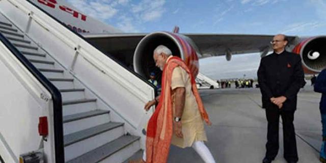 पीएम मोदी समेत सभी VVIP पर हवाई यात्राओं का 1146 रुपए बकाया | NATIONAL NEWS