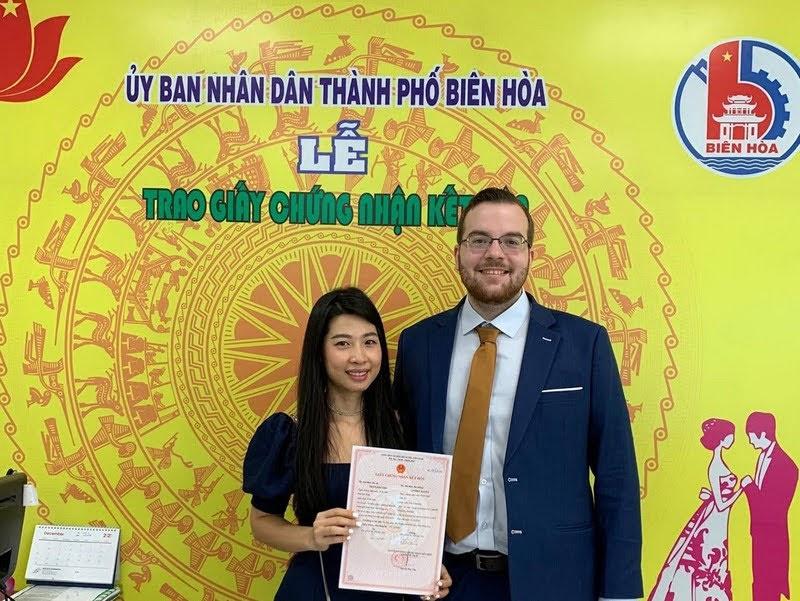 người nước ngoài kết hôn người Việt tại Quận 7
