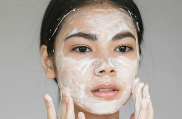 pembersih wajah untuk jenis kulit berminyak