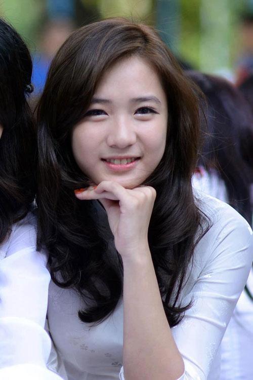 Top 10 hot girl có gương mặt xinh đẹp nhất Việt Nam