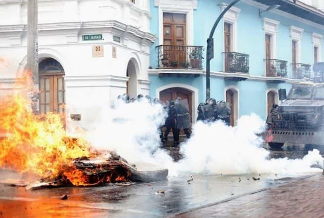 Decenas de heridos y cientos de manifestantes presos en jornada de brutal represión en Ecuador