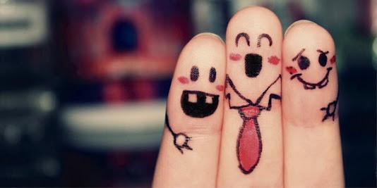 dita dipinte come amici