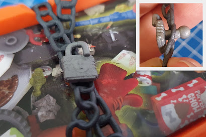 Hexbugs Junk Bots review Age 3+ padlock on dumpster showing ball joints