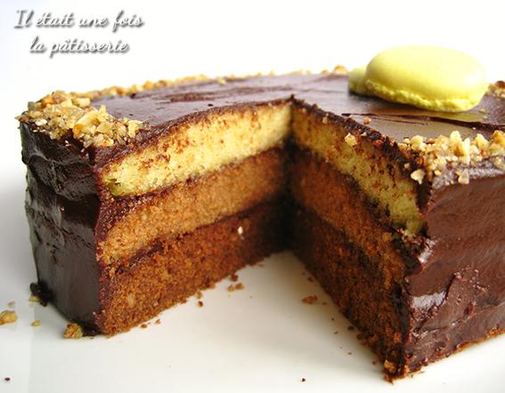 Gâteau à étages aux trois chocolats