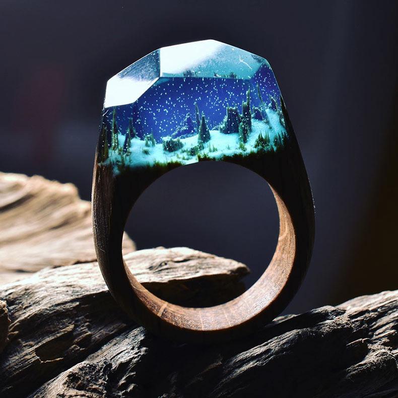 Mundos secretos ocultos dentro de un anillo de madera