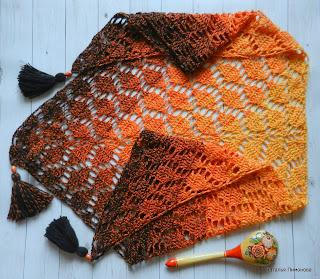 Crochet leaf shawl