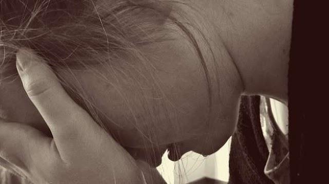 Menangis, Bocah 15 Tahun Ini Keluarkan Air Mata Darah, Apa Sebab?