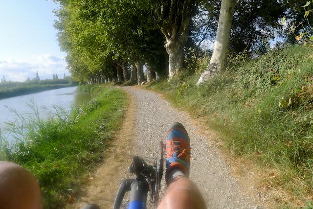 De Paris à Narbonne en vélo, Piste pas vraiment cyclable