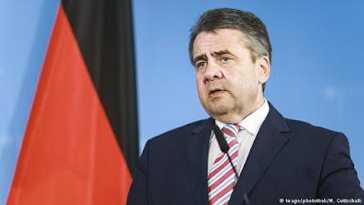Vice de Merkel apela contra esquecimento do Holocausto