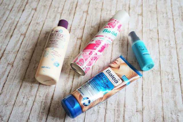 Balea - Tiefenreinigung Shampoo  Aussie - Miracle Moist Shampoo  PS - Moisturising Anti-Frizz Serum  Batiste - Trockenshampoo blush